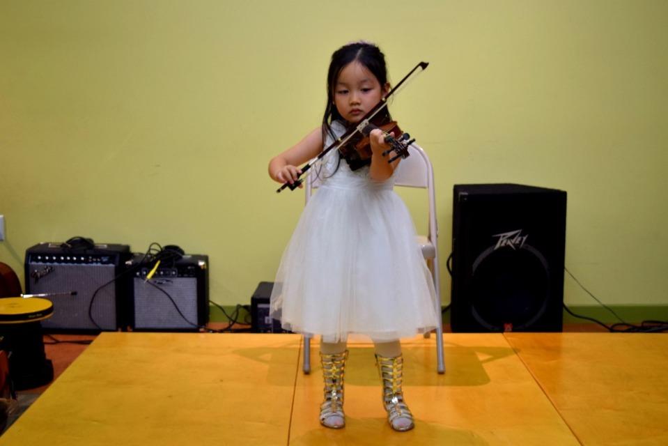 emma violin3