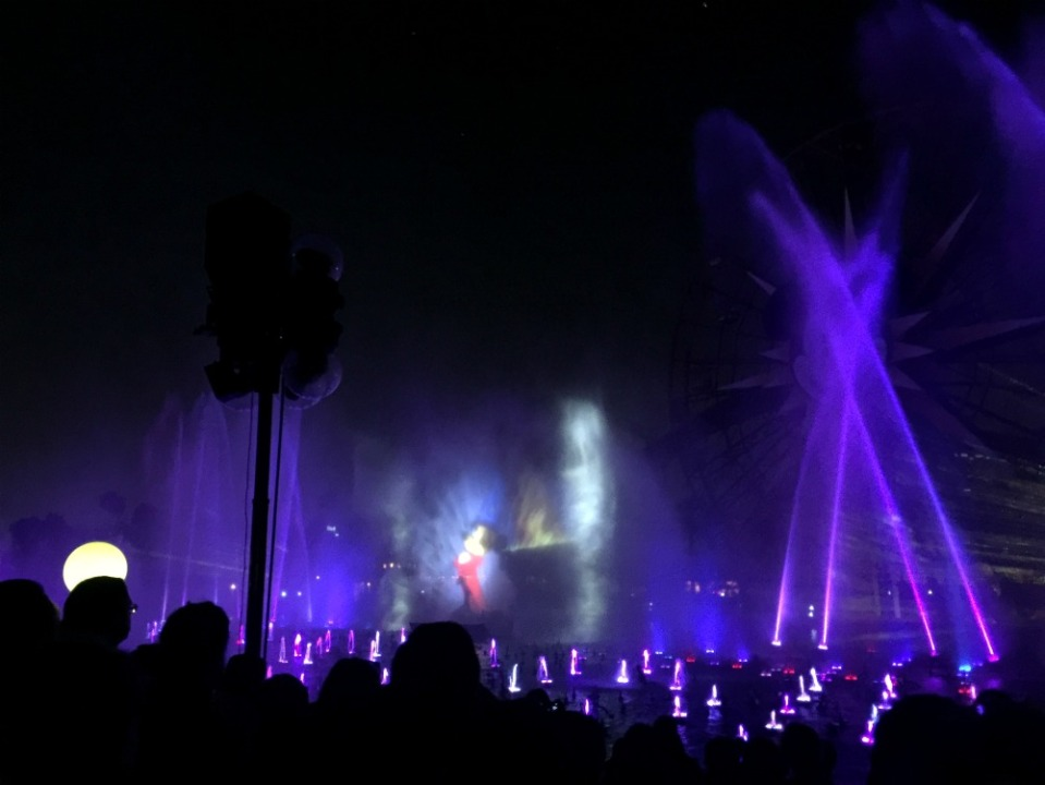 disneyland 18 world of color 2