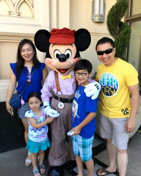 disneyland 4 mickey mouse