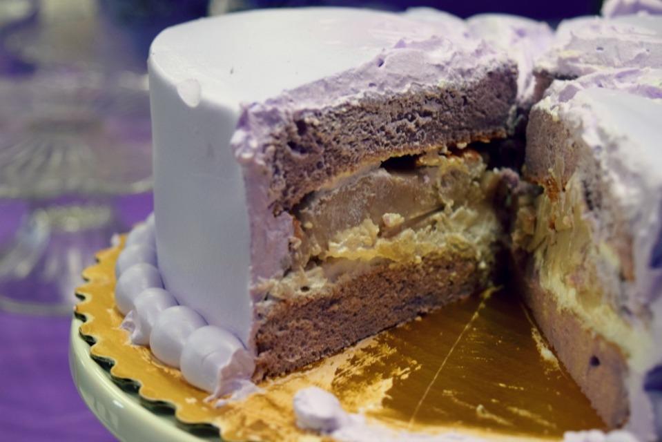 emma bday cake taro 2